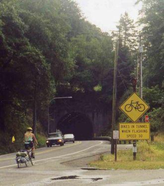31 Aug 1999 Tunnel before Astoria Bridge
